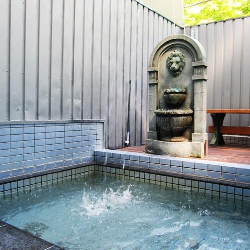 【貸切露天風呂一例】:打たせ湯2♪