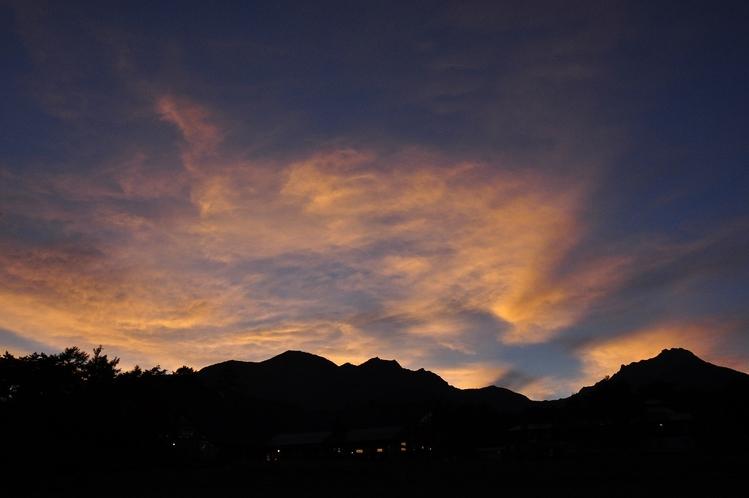 夕暮れ時の八ヶ岳