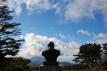 ポールラッシュ博士は今でも大好きな富士山を見続けています