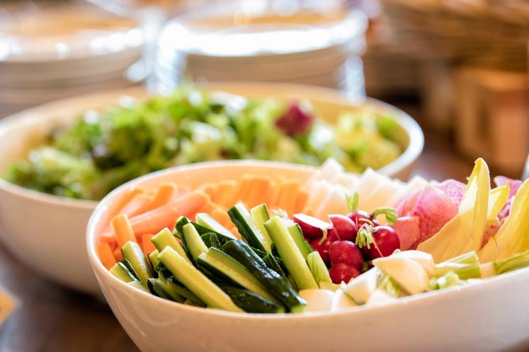 夕食・朝食ともに新鮮なお野菜をお楽しみ頂けます