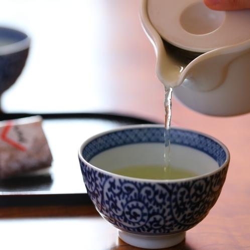 ■到着したら、あったかいお茶でほっと一息。