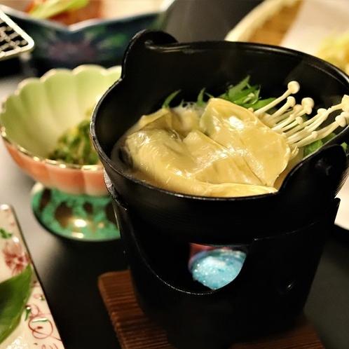 ■湯葉を使った豆乳鍋