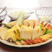■当館オリジナルのデザート天ぷら。いろいろなトッピングをのせてお楽しみください!