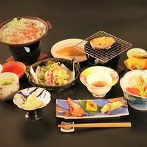 ■スタンダードプランの懐石料理。旬の食材をふんだんに使っています。