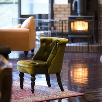 ■蔵書Lounge&Bar 暖炉の温もり