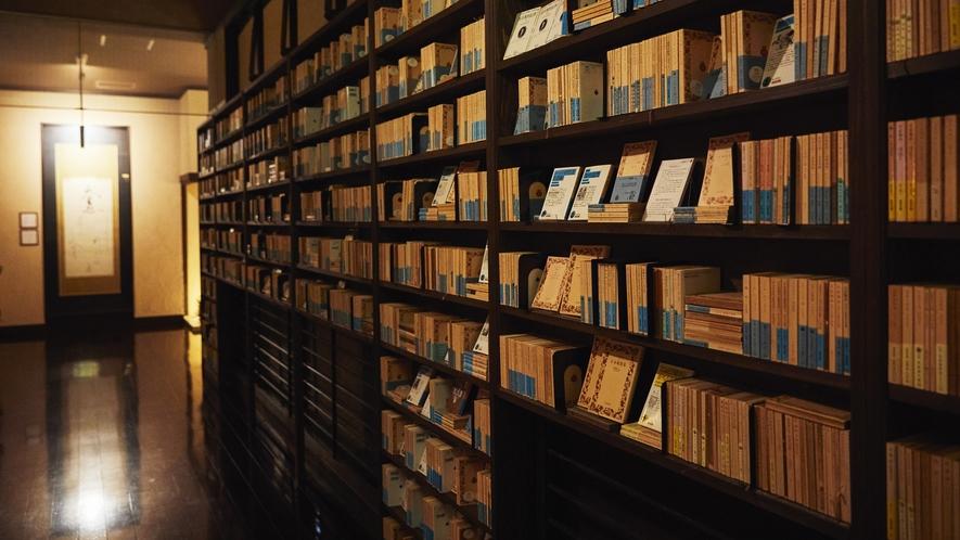岩波文庫の回廊◆あの頃の懐かしい1冊を手に取るもよし。新しい発見に湧き踊る1冊を見つけるもよし。