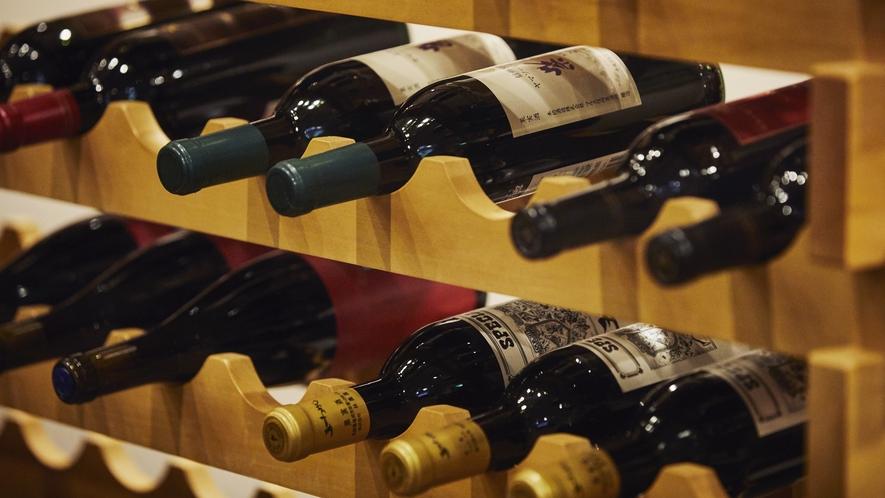 NAGANO WINE◆宴どころの入り口にワインセラーをご用意しております