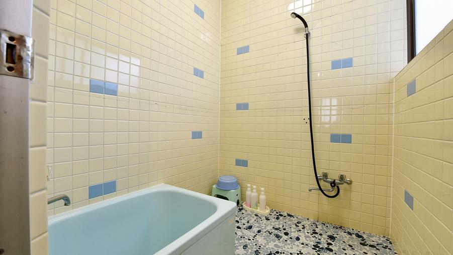 *[庭側和室一例]温泉ではございませんが洗い場付バスルームも完備しております