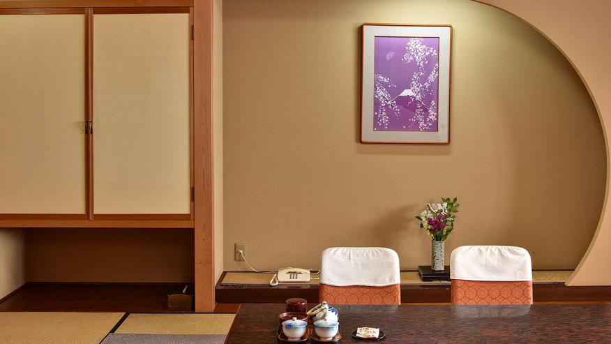 *[二間続き一例]落ち着いた雰囲気の純和風の客室です