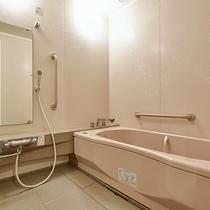 *[二間続き一例]洗い場付のバスルームがある客室も一部ございます(温泉ではございません)