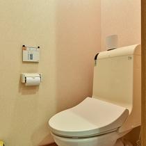 *[庭側和室一例]洗浄機能付トイレを完備しております