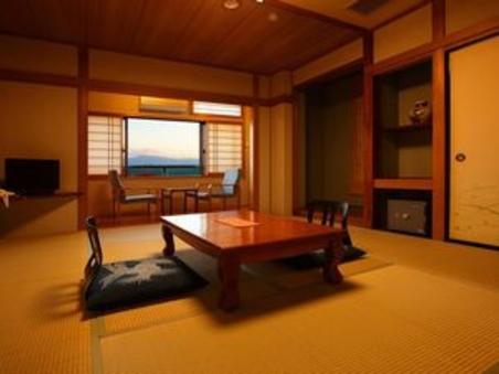 10 畳和室(+広縁2帖)