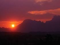 夕焼けの妙義山
