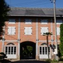 日本で最初の富岡製糸場 明治5年築 車で30分