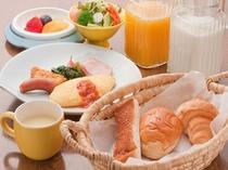 朝食はボリューム満点!もうお腹一杯〜!