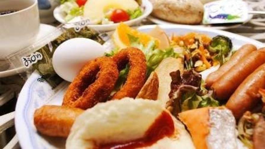 季節によってメニューが変わるバイキング朝食【7:00~9:00】