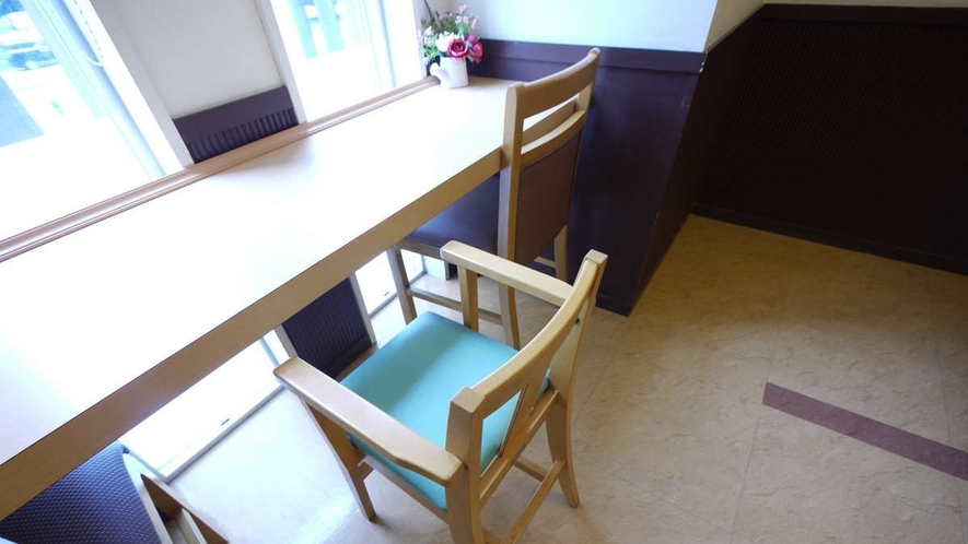 レストラン会場にて子供用の椅子もご用意しております