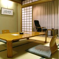 ごくベーシックな造りの和室となっております。和室8畳のお部屋【一例】2010.1月撮影