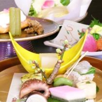 3月は白魚と湯葉のお鍋!!『毎月旬の素材を吟味した』春らしい会席いかがですか!!無料駐車場有!!