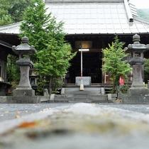 <温泉神社>当館より歩いて3分。島原半島にあるすべての温泉神社の総本宮です。