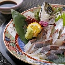 <別注>鯵姿つくり1,000円税別(要事前予約)近海で取れた新鮮な鰺を姿造りでお召し上がりください。