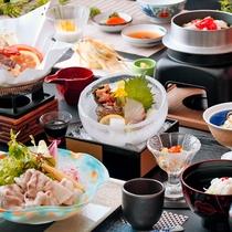 【うまかもん会席】タッフの想いがつまった夕食。地元の食材にこだわったお料理です。