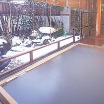 露天風呂(源氏の湯)雪景色
