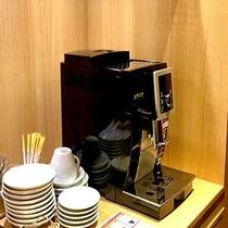 GENJI香専用ラウンジでごゆっくりコーヒーでも。