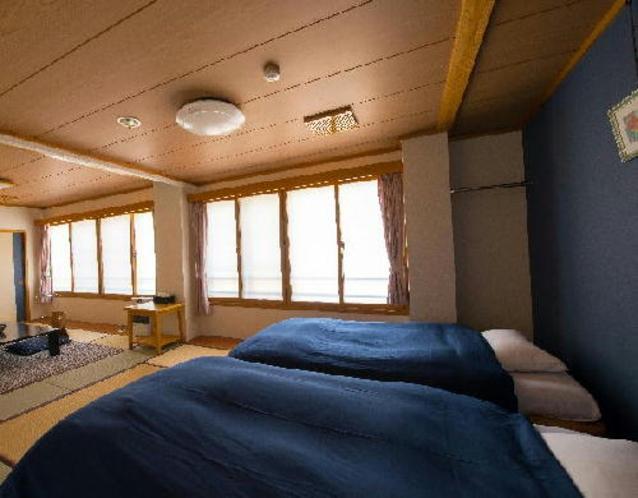 和室16帖山側和ベッドタイプ 2階客室 <撫子>