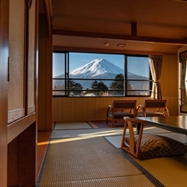【本館】4.5F富士山側 和室10畳
