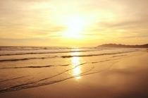 夕日のきれいな平砂浦海岸砂浜