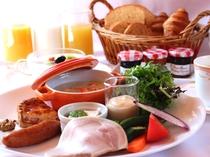 新鮮お野菜と自家製パンが自慢のOPA風ブレックファースト!