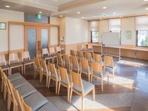 ■団体様向けミーティングルーム セッティング例