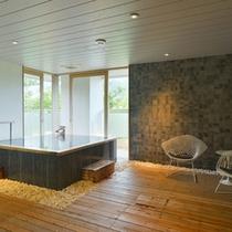 3種類の貸切温泉家族風呂の中で一番広いタイプの【流芳】