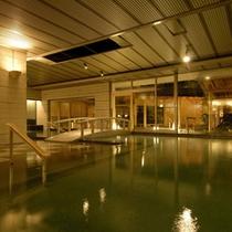 湯ったりと寛げる広々とした『月宮殿』大浴場