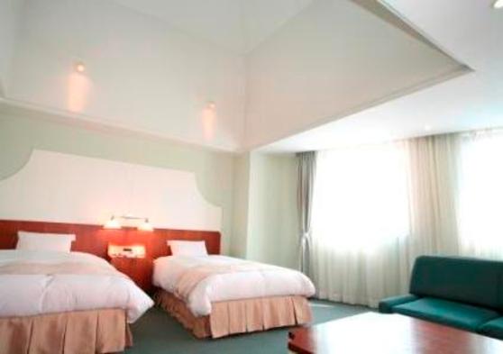 グレードアップ!スーペリアルツインか和室でのんびり・ゆったり天然温泉ビジネスプラン(ホテルの朝食付)