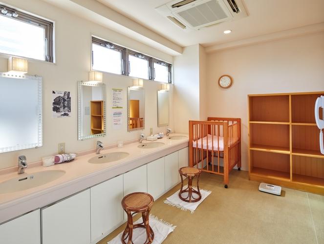 2階 大浴場 ベビーベット設置