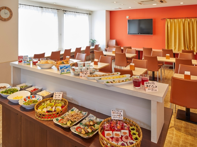 朝食は1階の「はしもと食堂」へ