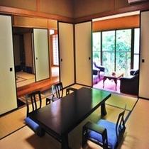 【特別室 紅梅の間】川側10畳+10畳+広縁+書院(景観良好)最大8名様迄ご滞在いただけます。