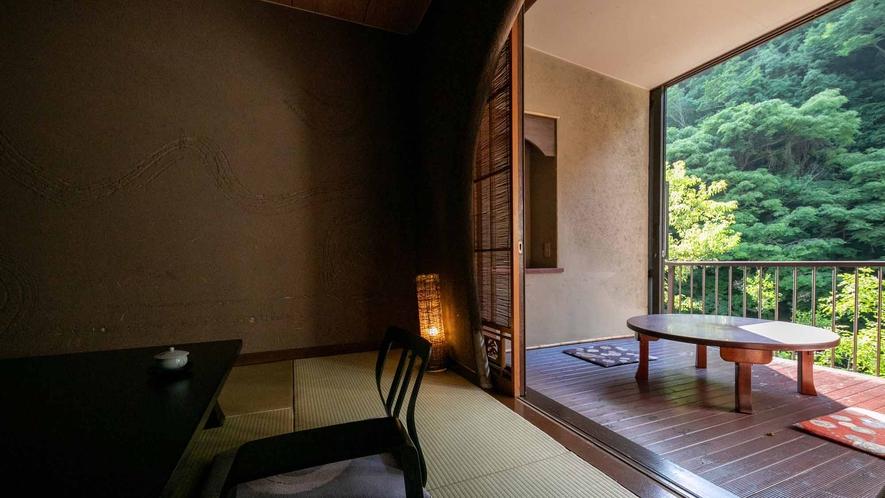 露天風呂付き客室(山さびの間2)