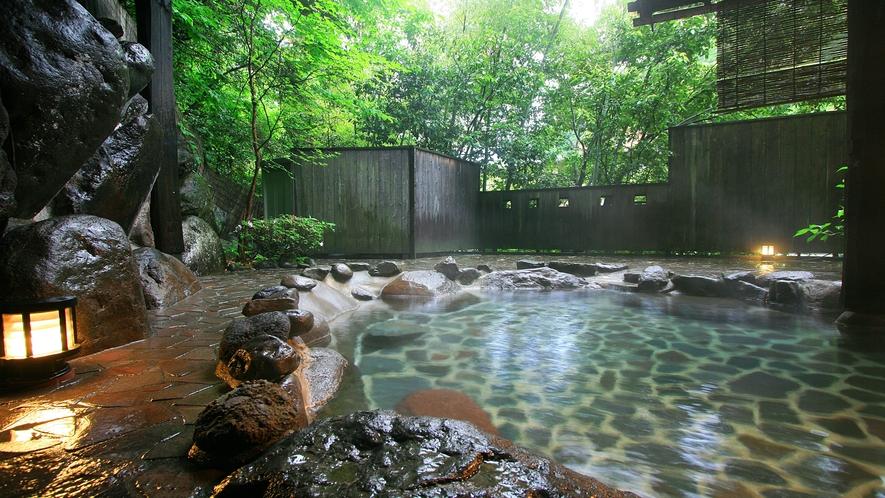 【新緑の頃】貸切露天風呂 観山の湯