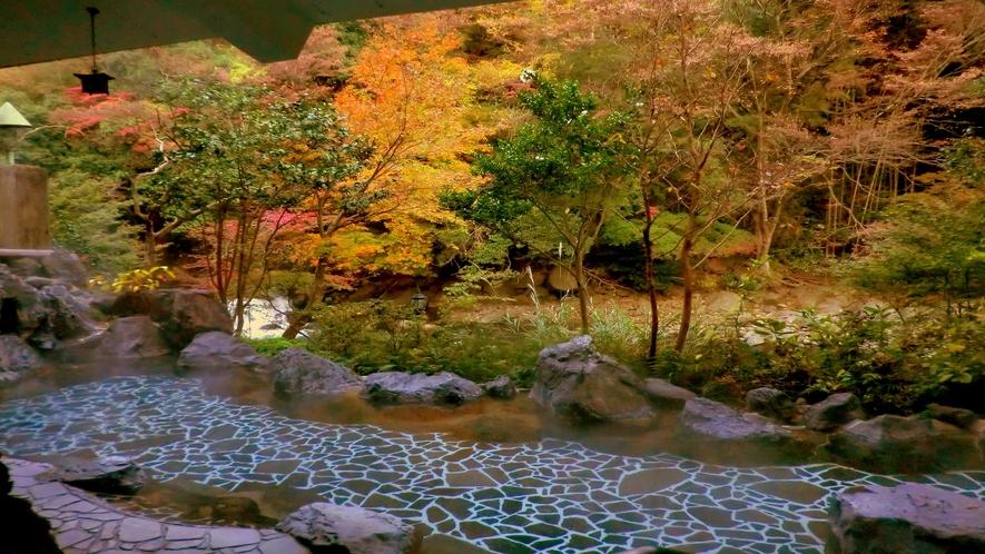 【秋】大浴場露天風呂