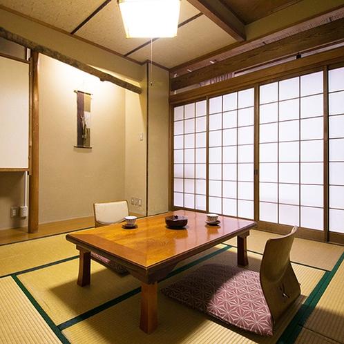 ■街側和室8畳のお部屋。