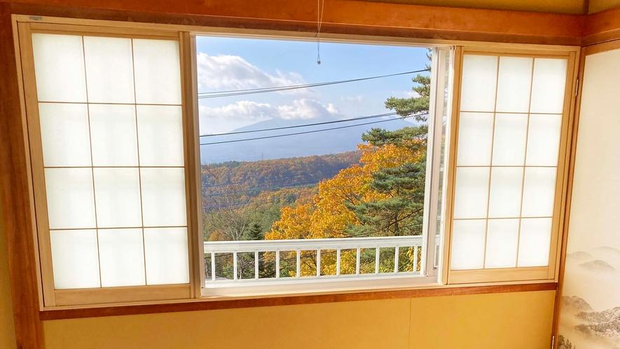 ・【和洋室一例】天気のよい日には山並みを一望できます