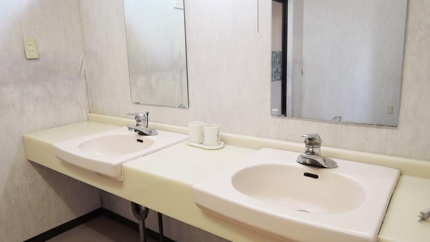 *【大浴場(女湯)】ドライヤーは大浴場に完備しております。
