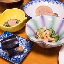 *【ご夕食一例】季節感溢れるお料理の数々