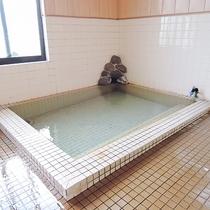 *【大浴場(男湯)】源泉掛け流し♪湯冷めしにくい良質な湯を存分にご堪能下さい。