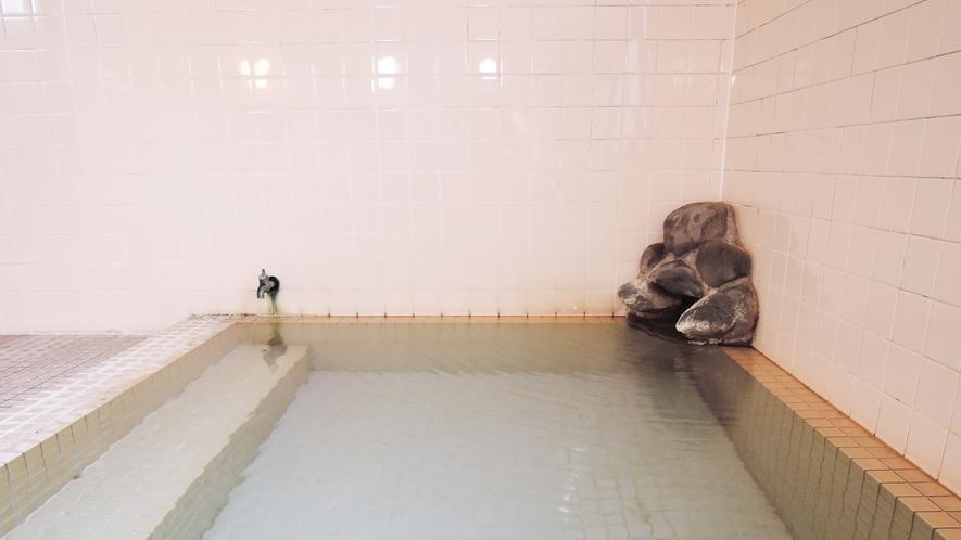 *【大浴場(女湯)】柔らかい湯触りで保湿効果が高くお肌すべすべ♪