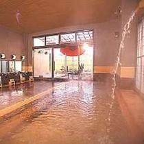 1F大浴場「夢みさき」の檜風呂には打たせ湯も☆