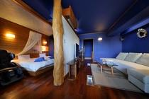 新渚感プレミアムスイート「海sea」☆海をテーマにした、超大型ベッドがあるスイートルームです☆